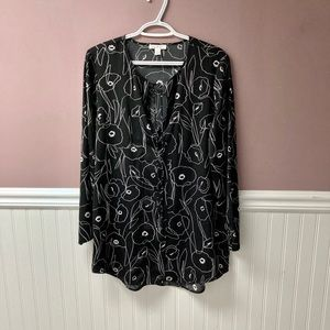 Camber & Grace black and white floral blouse